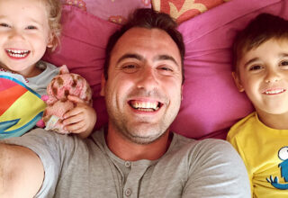 happy-smiles-family-father-with-kids